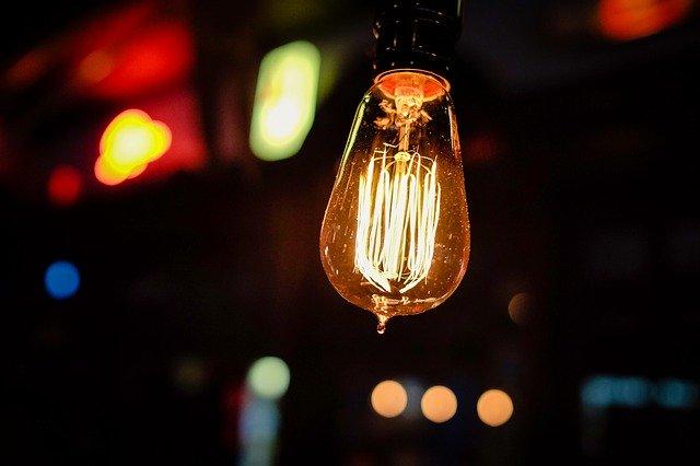 Netradiční žárovka.jpg